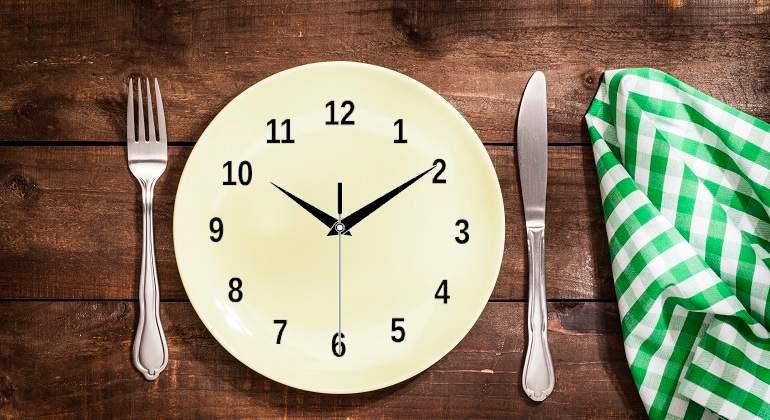 Plato-con-reloj-